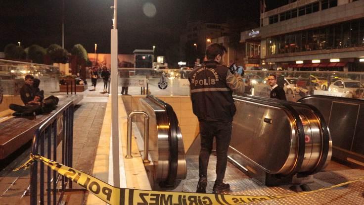 Taksim metrosu girişinde ceset bulundu