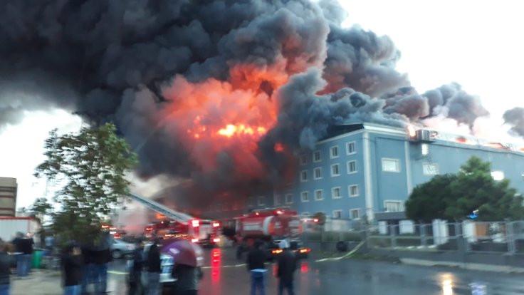 İstanbul'da fabrikalarda yangın