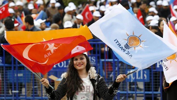 'Böyle giderse AK Parti dönüşümü başaramayacak'