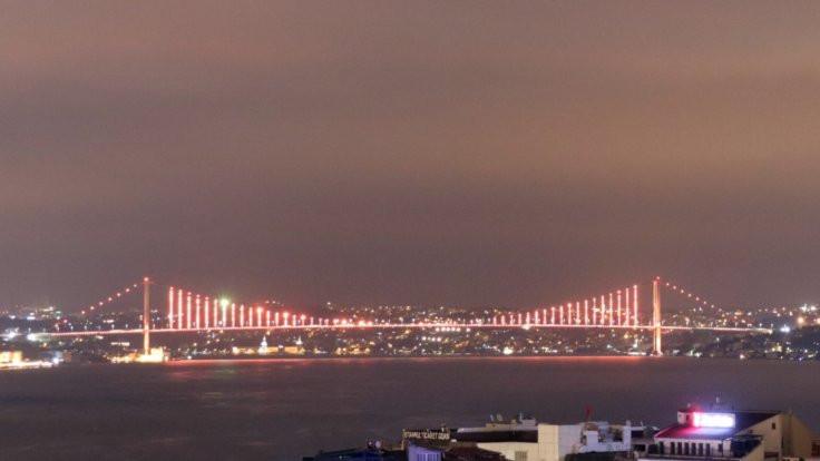 Köprü 'turuncu' oldu