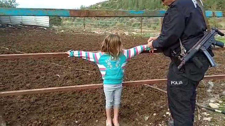Babalarının çite bağladığı çocuklar kurtarıldı