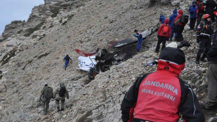 Pilot ve öğrencisinin cesedine ulaşıldı