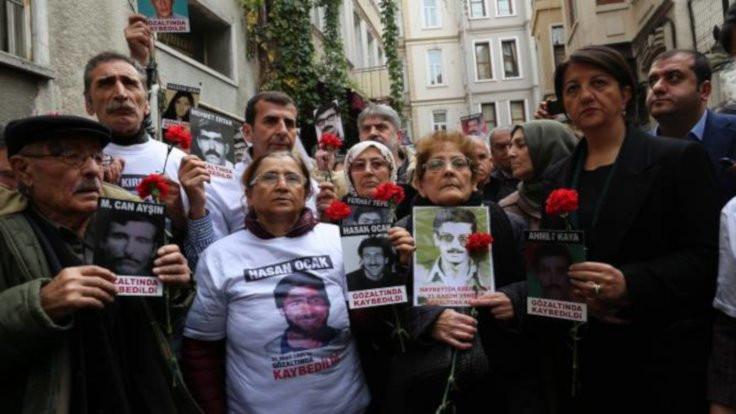 Cumartesi Anneleri: Kime ne yaptık da Galatasaray bize yasaklandı?