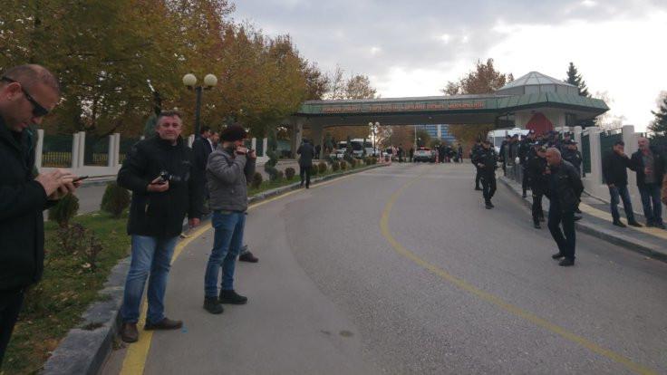 TRT önündeki protestoda 1 gözaltı