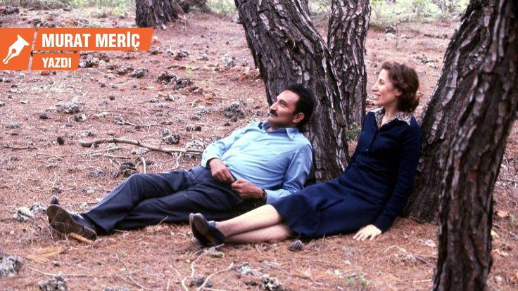 Ak Günlerin Karaoğlan'ı: Şarkılarda Ecevit