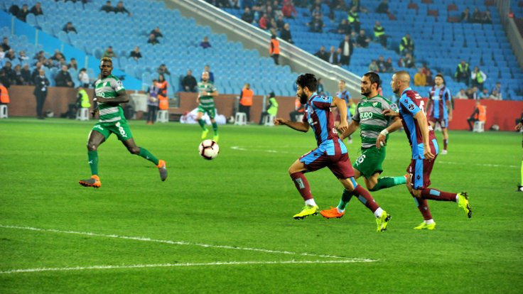 Trabzonspor, 3 puanı son dakikalarda kaçırdı