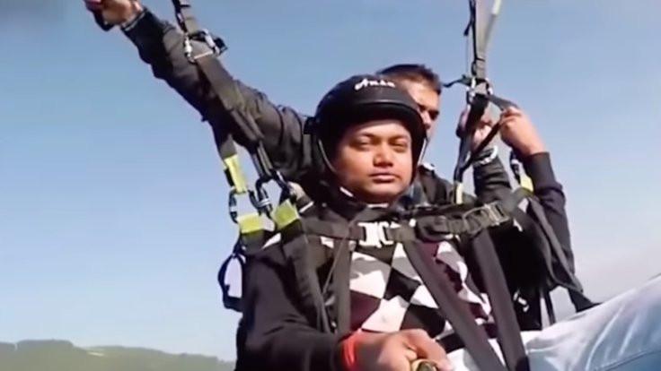Yolcuyu havada tutan pilot hayatını kaybetti!