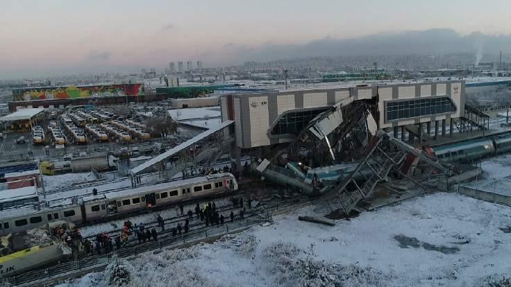 YHT, kılavuz trene çarptı: 9 ölü, 86 yaralı