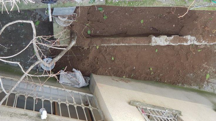 Kocasını 4 parçaya bölüp bahçeye gömdü