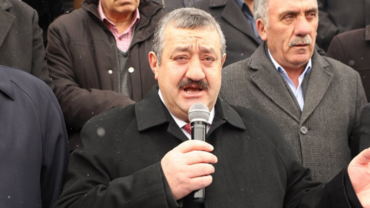 Aday gösterilmeyen AK Partili başkan istifa etti