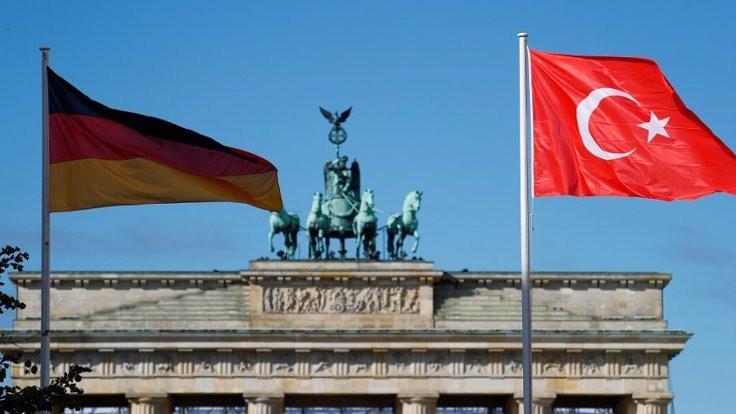 Alman istihbarat raporunda MİT'e özel başlık