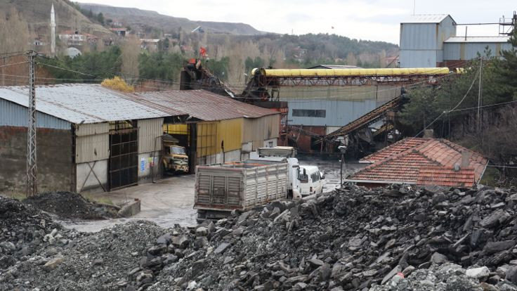 Göçükte mahsur kalan 4 işçi kurtarıldı