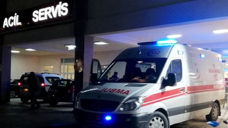 İşçi minibüsüyle öğrenci servisi çarpıştı