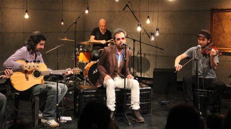 Feridun Düzağaç Kadıköy Sahne'de