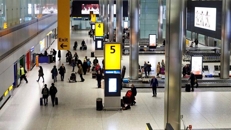 Heathrow'da uçuşlar durduruldu