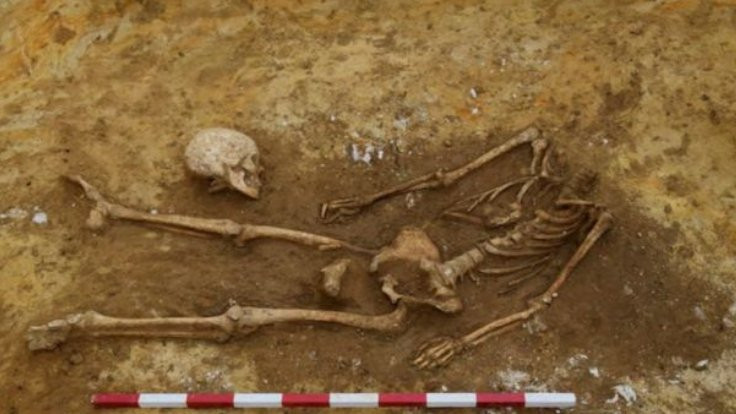 Kafatasları bacakların yanında 17 iskelet bulundu!