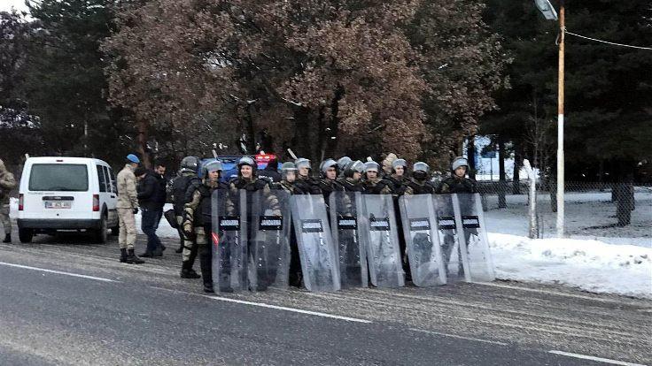 Çin'i protesto için Ankara'ya yürüyenlere izin verilmedi