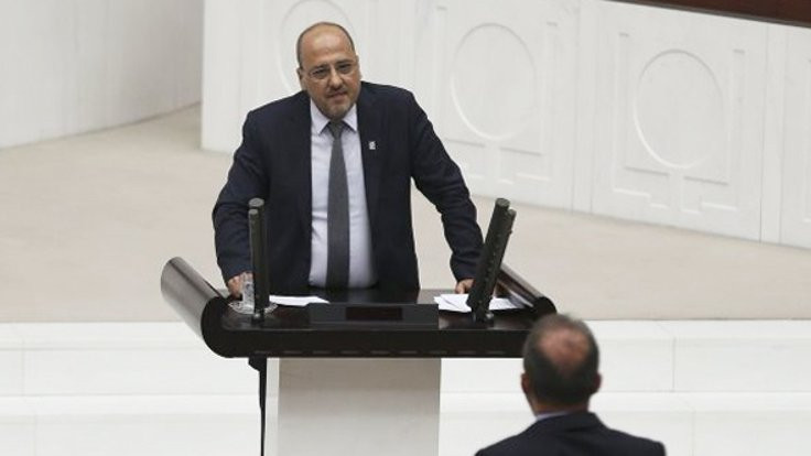 Ahmet Şık, Murathan Mungan'la saygıya davet etti