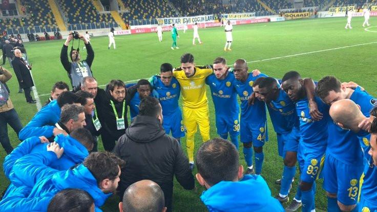 MKE Ankaragücü 3 puanı 3 golle aldı