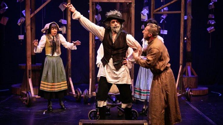 Don Kişot'um Ben sahnede