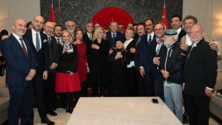 Ünlülerden Erdoğan'a pasta