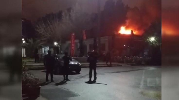 Marmara Üniversitesi'nde kafe yangını