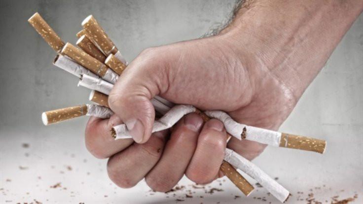 Sigara 'torun'u riske sokuyor