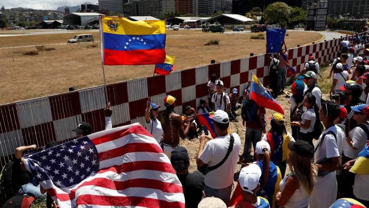 Rusya: ABD Venezuela'ya saldıracak