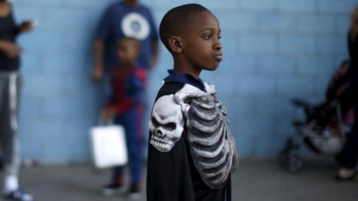 Sınıfta ırkçılık: Bakın siyah çocuk ne çirkin!