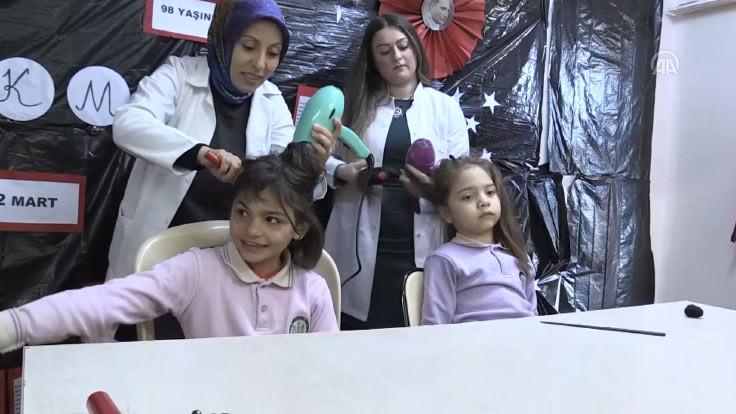 Kadınlar öğrencilere gönüllü kuaförlük yapıyor