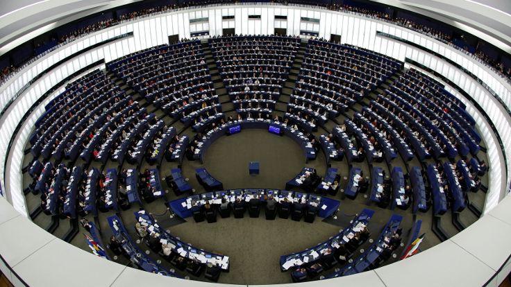 Avrupa Parlamentosu kayyımları kınadı