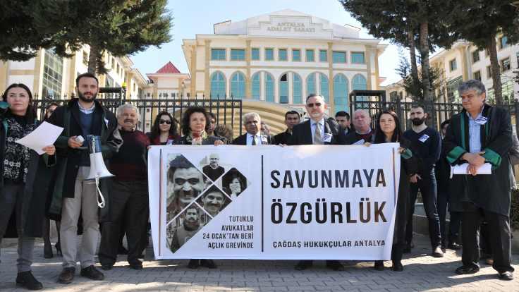 Açlık grevindeki avukatlara destek eylemi