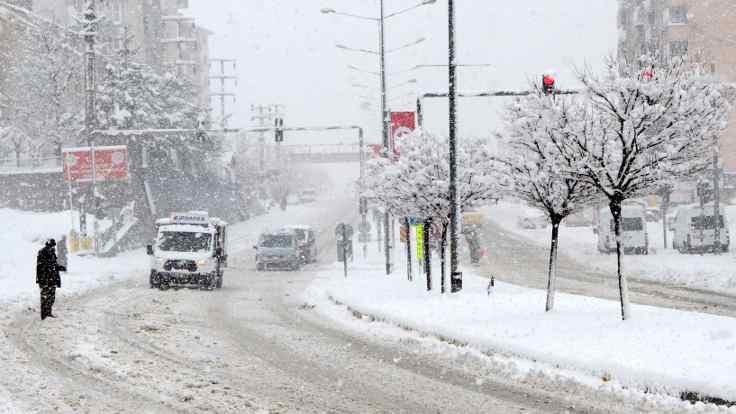 Başkale'de kar tatili