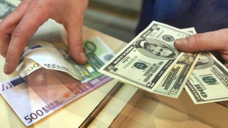 Dolar hesapları tarihi rekoru zorluyor