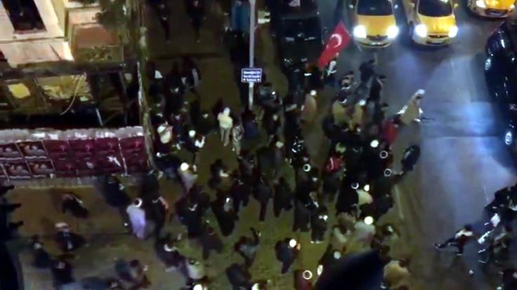 Erdoğan konuştu, Taksim'de 'ezan yürüyüşü' yapıldı