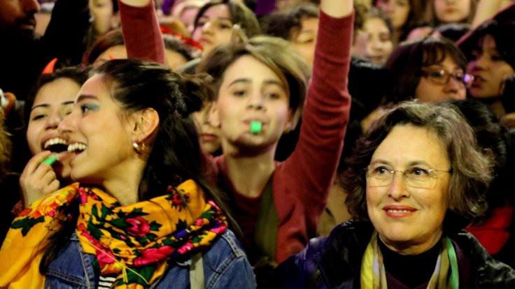 'Feminist Gece Yürüyüşü'ne müdahale Meclis'te