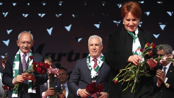 'İki Türkiye var, biri saray sosyetesi'
