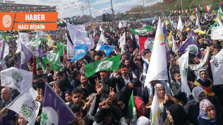 İstanbul'da Newroz ateşi yakıldı