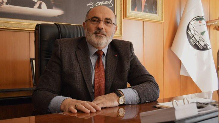 AK Partili başkan adaylıktan çekildi