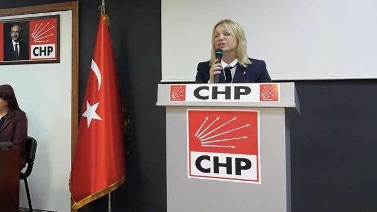 Trans kadınAlbayrak, CHP ilçe yönetiminde