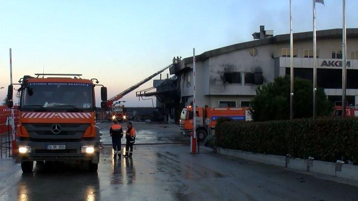 Hadımköy'deki fabrika yangını söndürüldü