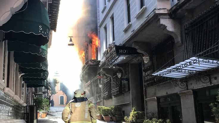 Beyoğlu'ndaki yangınla ilgili 1 kişi gözaltına alındı