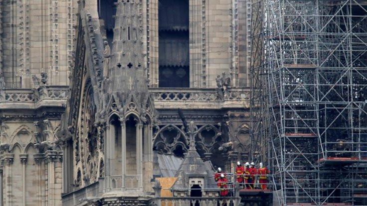 Paris Başsavcısı: Notre Dame yanlışlıkla yandı