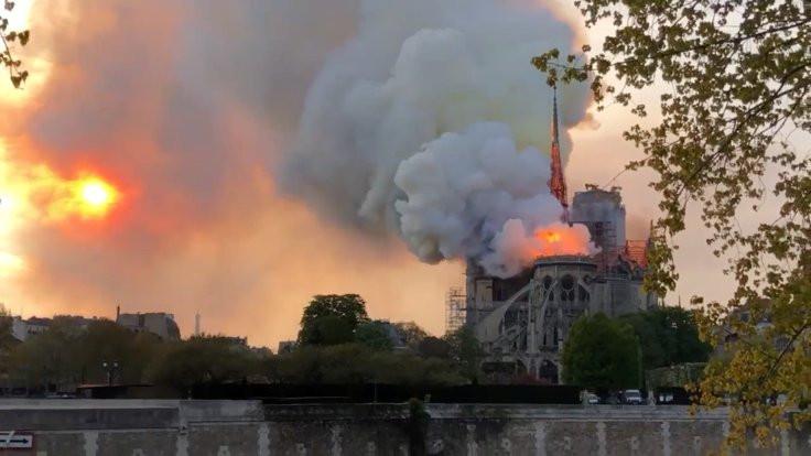 Bir Gotik efsane: Notre Dame - Sayfa 3