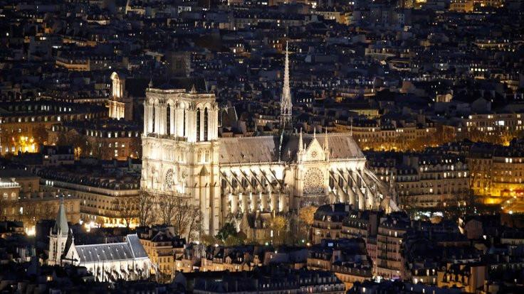 Bir Gotik efsane: Notre Dame - Sayfa 2
