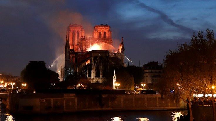 Notre Dame için bağış yağıyor: İki aileden 300 milyon euro