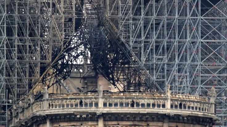 Yangından sonra Notre Dame...