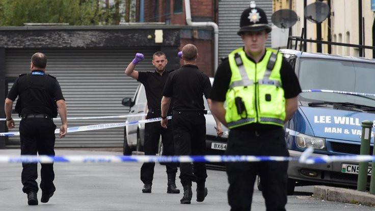 Londra'da büyükelçilik yakınında silahlı saldırı
