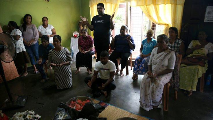 Hristiyanlar evlerinde dua etti