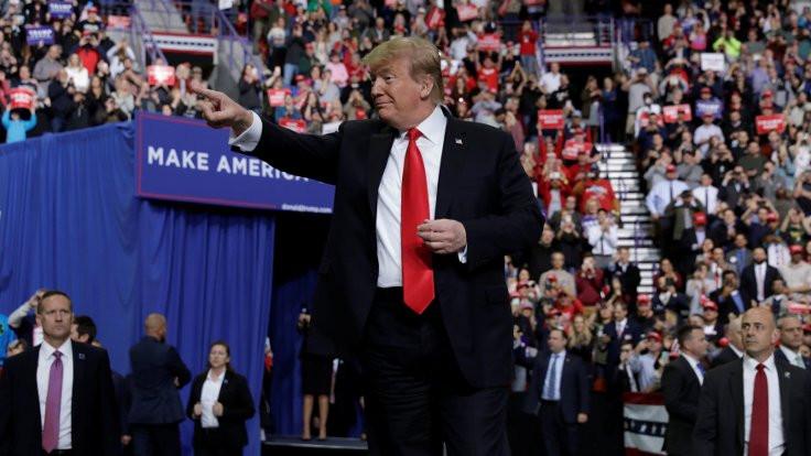 Trump: Kral'a 'Sizi korumak için k.çımızı yırtıyoruz' dedim
